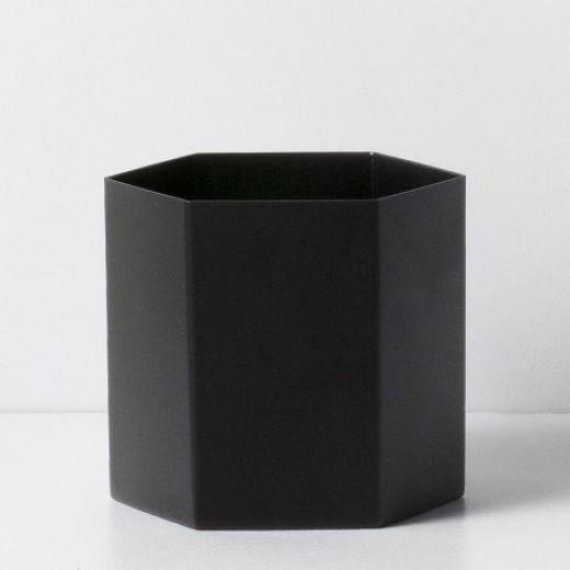 Ferm Living Hexagon Pot sort large-31