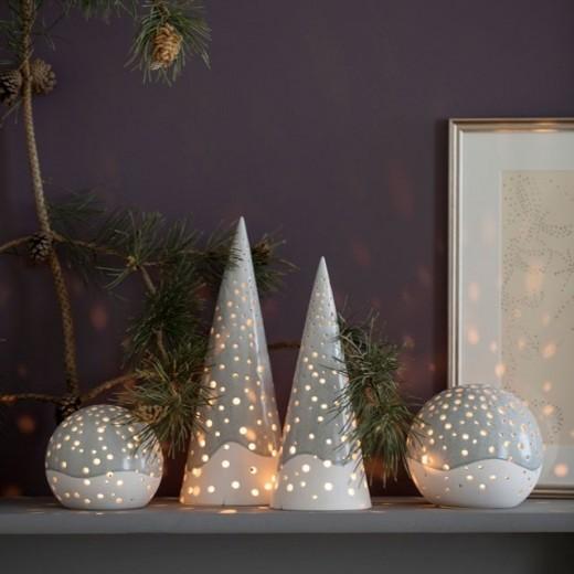 Kähler Design - Nobili Fyrfadsstage - lyshus i grå. Nogen kalder det også lystræ/juletræ.