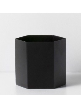 Ferm Living Hexagon Pot sort large-20